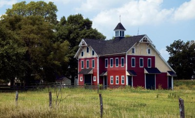 Hammond Barn, photo by Ken Kashian