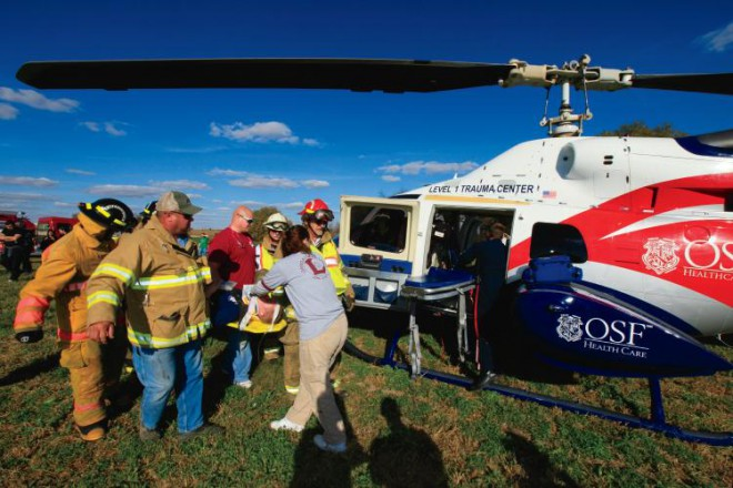 Medical students train for emergencies in rural areas.