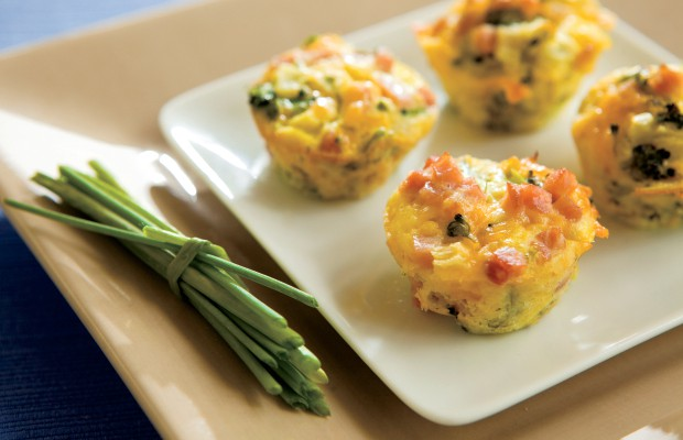 Mini Ham and Cheddar Veggie Cups