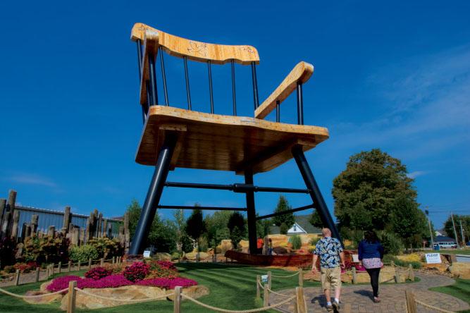 Casey Illinois – World's Largest Rocking Chair