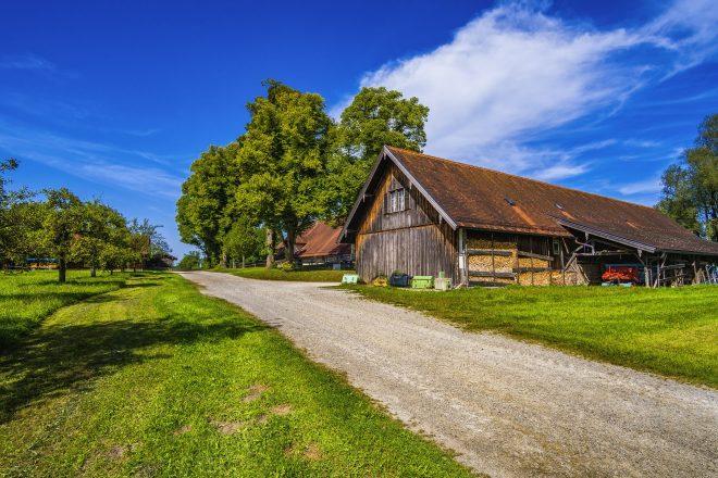 farm-2702094_1920
